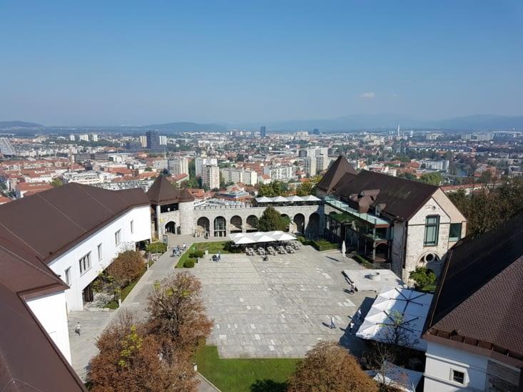 Vue interieur de la citadelle et de la ville