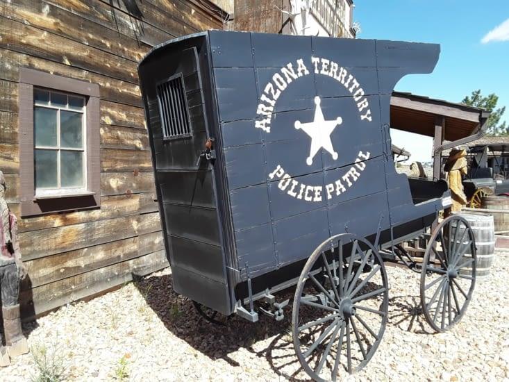 Bien conservé le véhicule du sherif