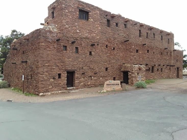 Maison typique des indiens de la région .