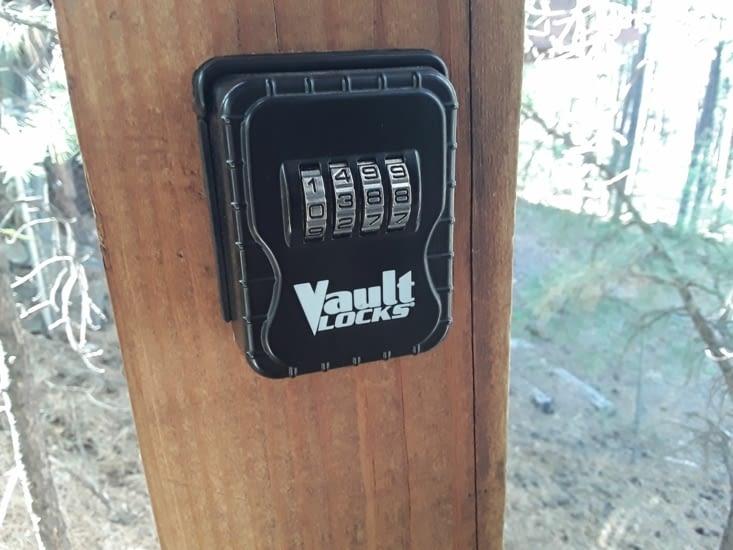 Petite boîte pour la clé de la maison  la keybox pas mal non