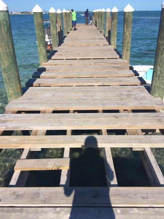 Le ponton à Montagu Beach : il manque la moitié des lattes