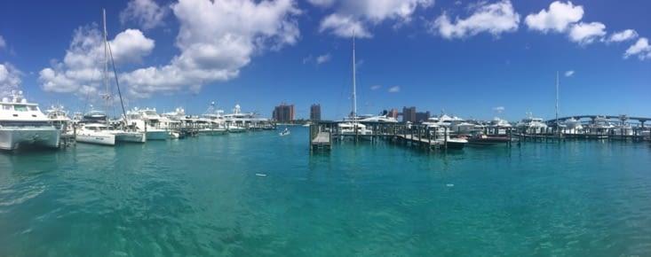 Vue panoramique sur la marina de Nassau