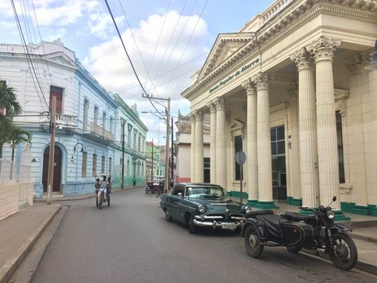 Calle Cisneros