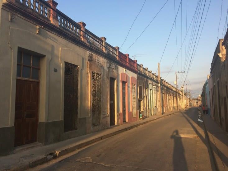 Une autre rue résidentielle du centre-ville de Camagüey