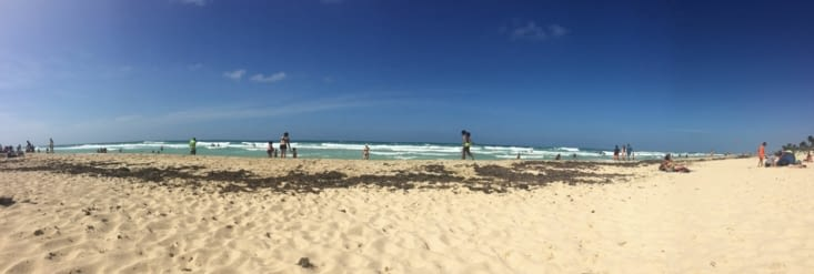 Vue panoramique sur la plage Santa Maria del Mar