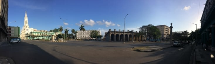 Vue panoramique sur l'avenue Salvador Allende