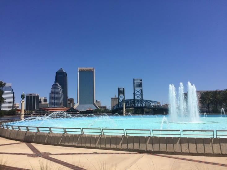 La Friendship Fountain