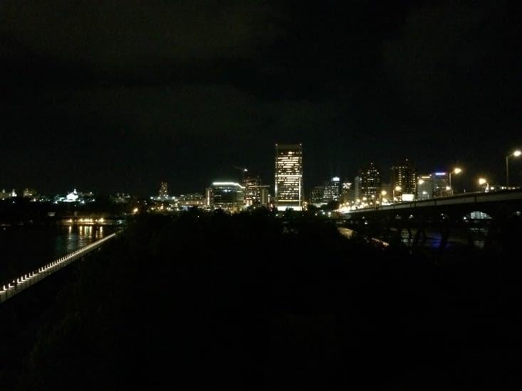 Vue sur Richmond de nuit