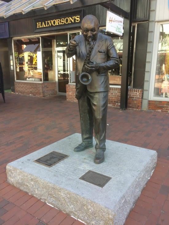 Statue de Big Joe Burrell