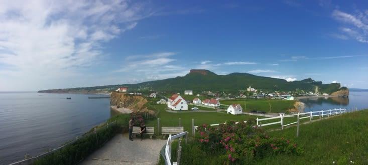 Vue panoramique depuis la pointe qui fait face au rocher