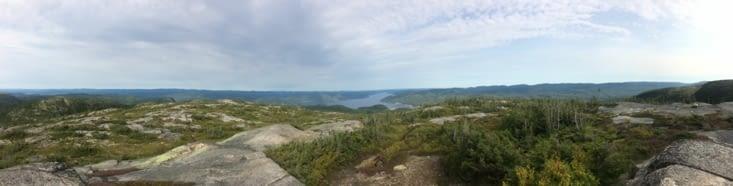 Vue panoramique sur le fjord depuis la Montagne Blanche