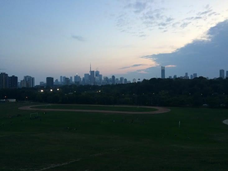 Riverdale Park à la tombée de la nuit