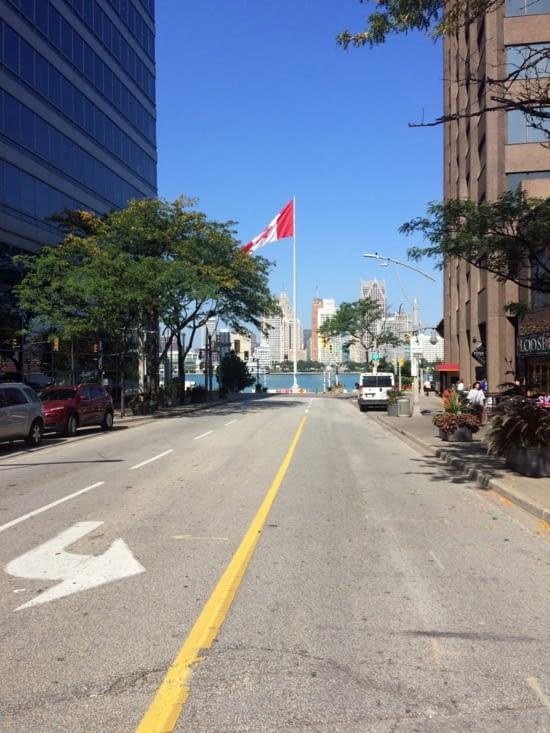 Le centre-ville de Detroit, vu depuis celui de Windsor