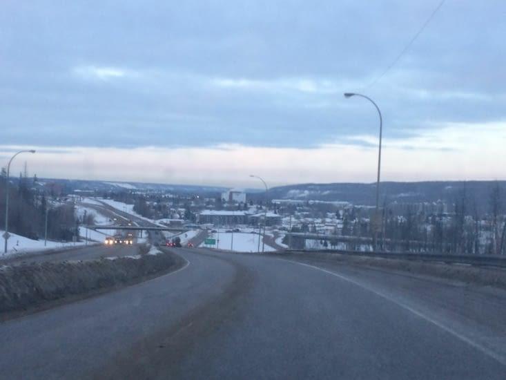 Le centre-ville de Fort McMurray est situé dans une petite vallée