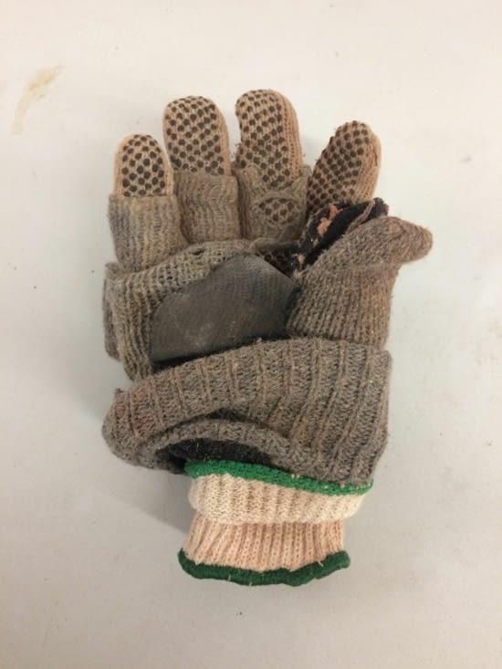 Trois paires de gants minimum !