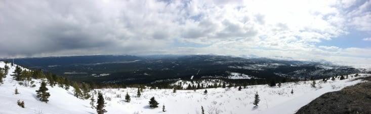 La vallée entourant Whitehorse, vue depuis le Haeckel Hill
