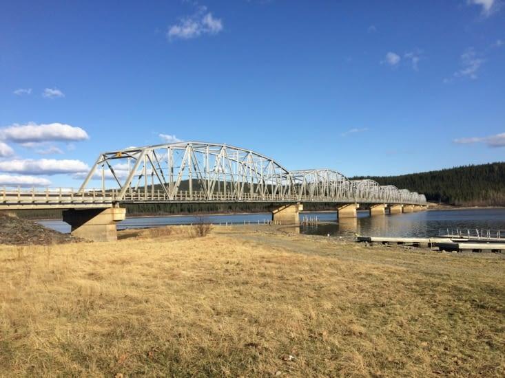 Le Nisultin Bay Bridge, à Teslin