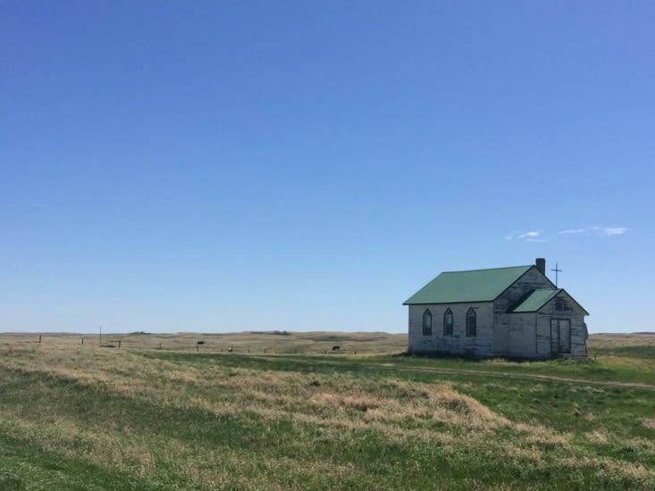 Au milieu de nulle part, une église