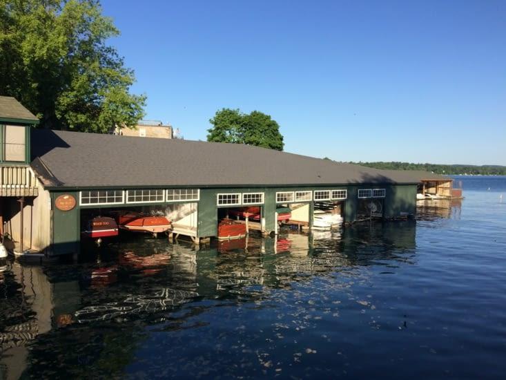 Garage pour petits bateaux sans prétention