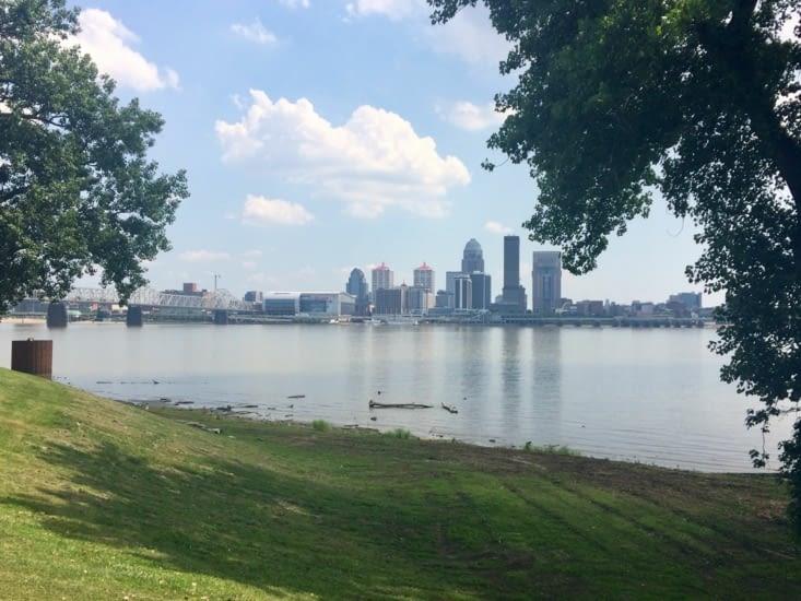 Louisville vu depuis la rive opposée