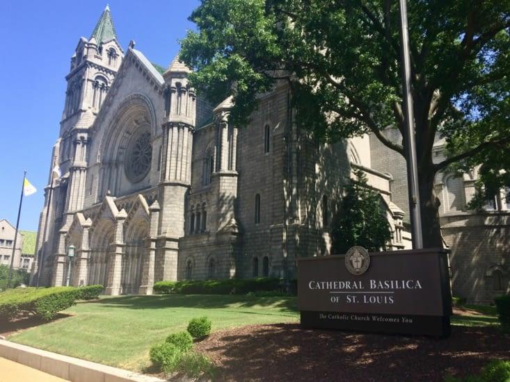 La basilique-cathédrale de Saint-Louis