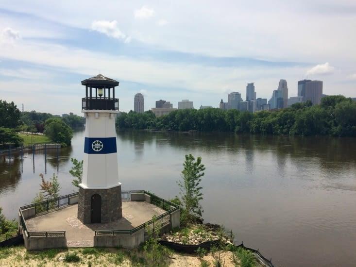 Minneapolis vu depuis Boom Island Park