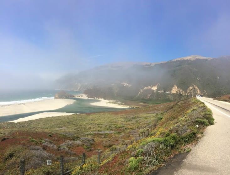 La côte de Big Sur, plongée dans le brouillard