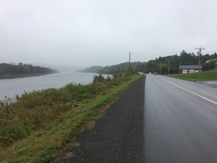 Le long du fleuve Saint-Jean