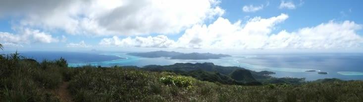 Tahaa et Bora Bora au loin