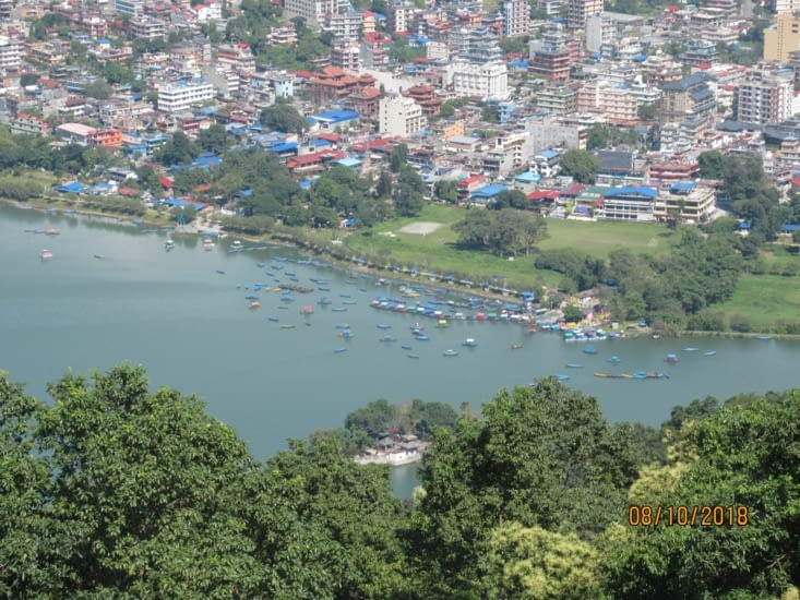 Vue sur Lake Side, Pokhara depuis la Pagode