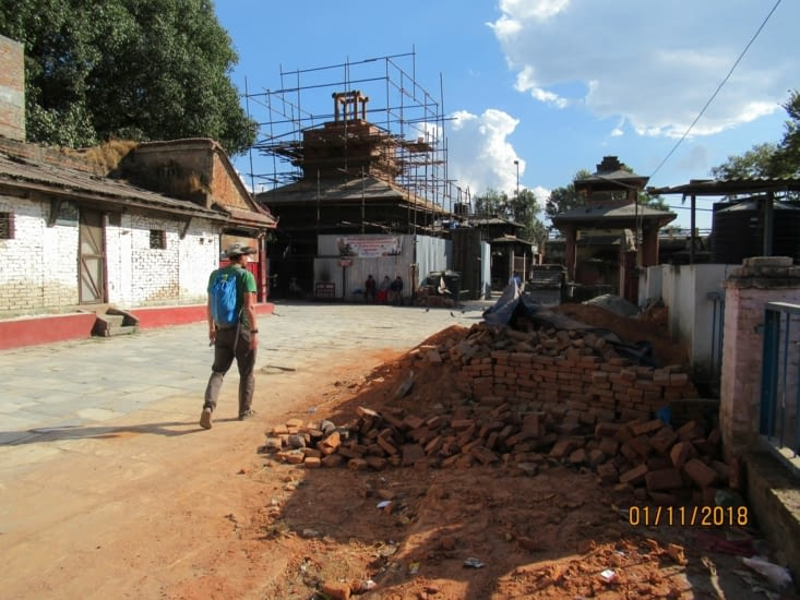 En route pour le Stupa Swayambunath, c'est pas tout rose dans le coin