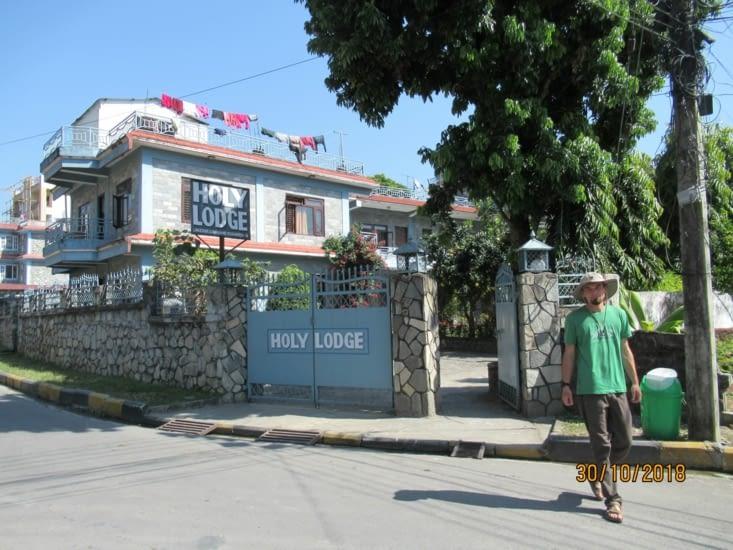On retrouve notre petit hôtel au grand jardin à Pokhara