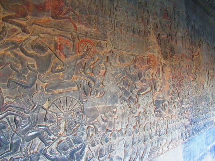 des bas reliefs
