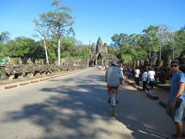 Nous entrons dans la cité d'Angkor Tom