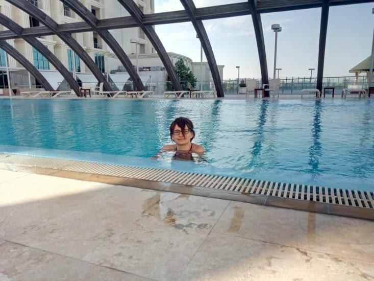 Bakou - piscine d'hotel de luxe
