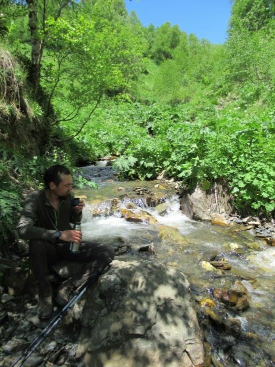 Super spot pour une petite pause, un coin d'ombre au bord d'un petit ruisseau