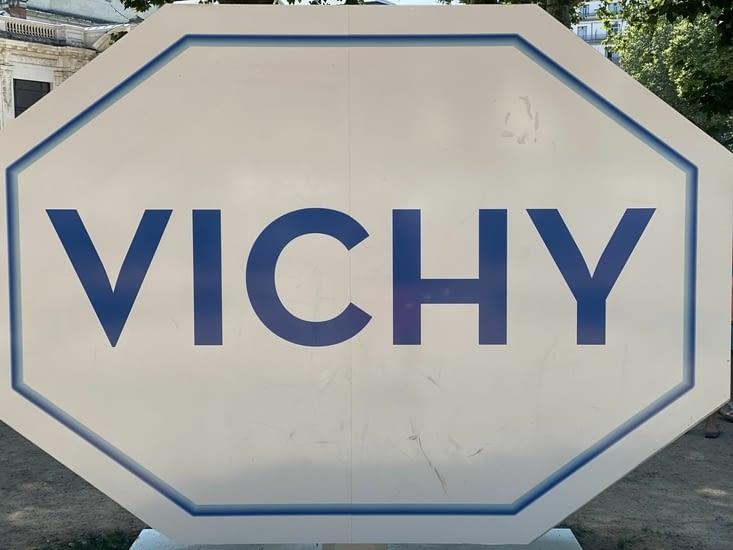 Puis notre étape du jour : Vichy