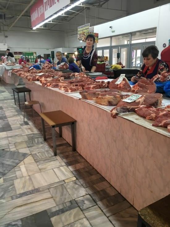 Étalage de viande fraiche au marché... #hygiene