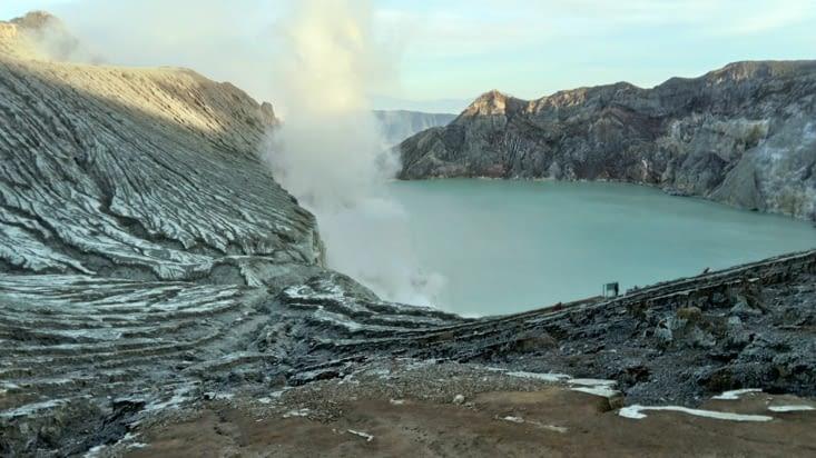 Cratère Kawa Ijen et ses fumées de souffre