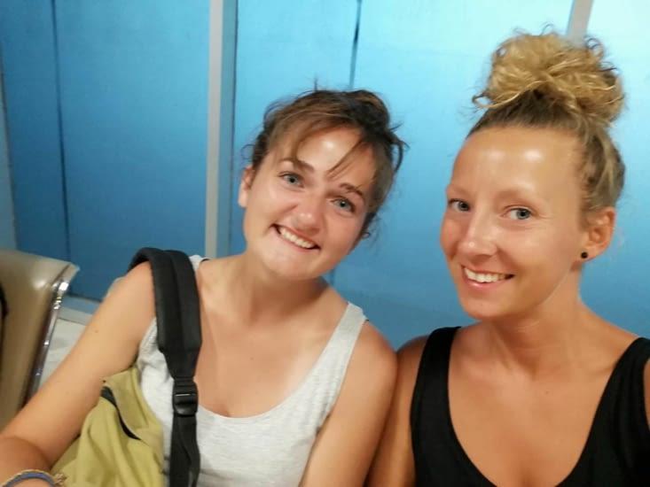 À l'aéroport de Lombok avec Julia