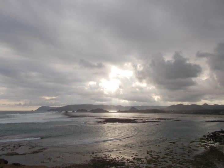 Point de vue sur la plage de Seger Beach, nuageux mais splendide