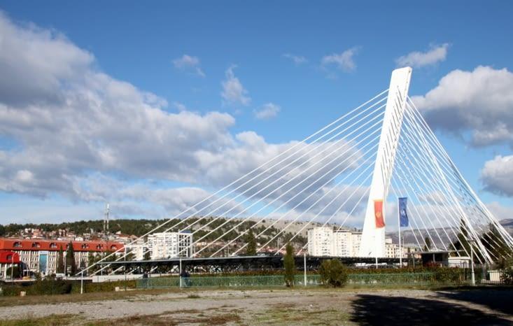Le Millenium Bridge à Podgorica.