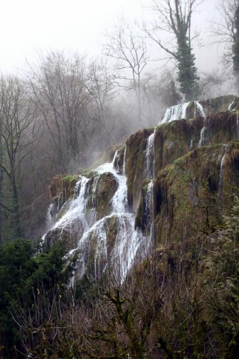 Sur la route pour rejoindre la Bourgogne, nous tombons sur cette très belle cascade.