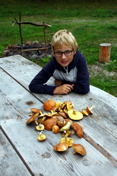 Like a real Latvian, Louis quickly adopted their passion for mushroom picking.