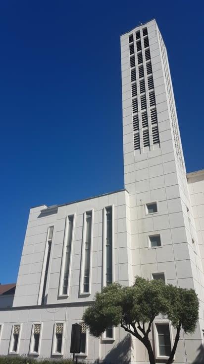 Son église reconstruite après tremblement de terre