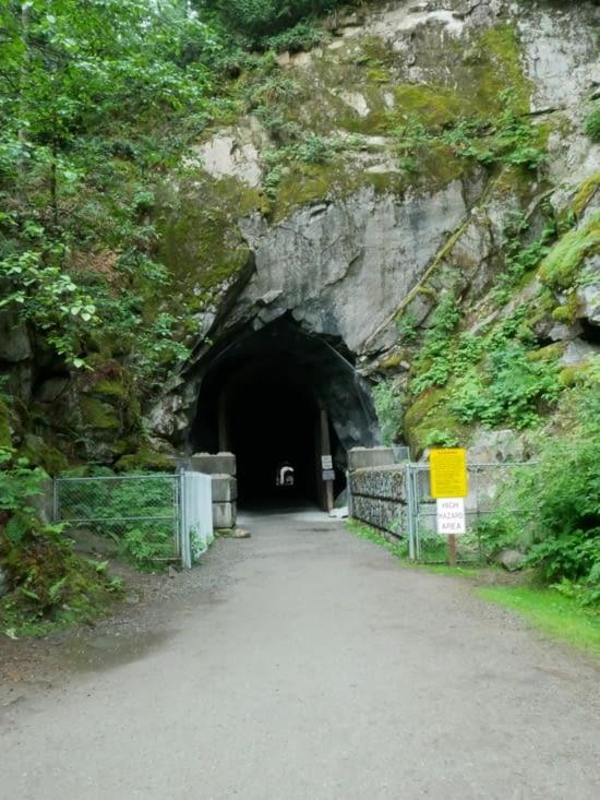 Premier tunnel