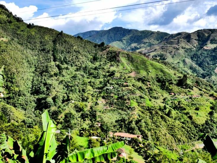 Beau paysage de la vallée