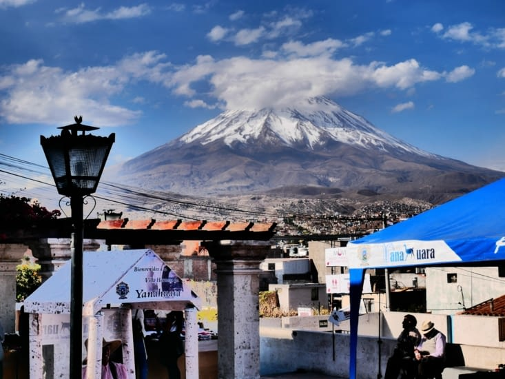 Point de vue sur le volcan Misti