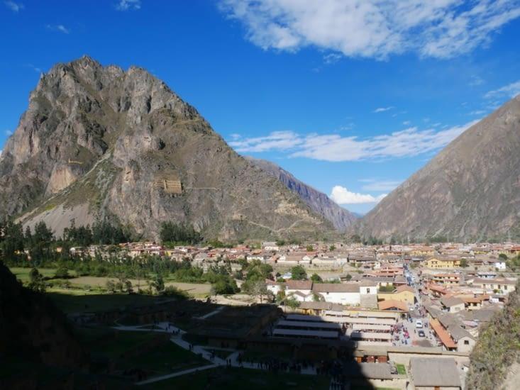 La cité Inca d'Ollantaytambo qui domine la ville