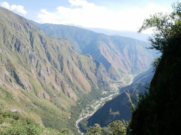 La vallée où l'on aperçoit notre chemin jusqu'à Hydroelectrica